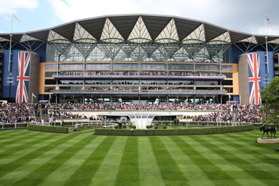 ROYAL ASCOT TUES 16 JUNE 2015  PICTURE: CAROLINE NORRIS     THE PARADE RING BEFORE THE FIRST RACE ON THE OPENING DAY