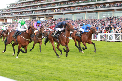 ROYAL ASCOT TUES 16 JUNE 2015  PICTURE: CAROLINE NORRIS     WASHINGTON DC RIDDEN BY RYAN MOORE, CENTRE, WINNING THE WINDSOR CASTLE STAKES FROM AREEN RIDDEN BY JAMIE SPENCER, LEFT, 2ND, AND STEADY PACE RIDDEN BY JAMES DOYLE, 3RD, RIGHT.