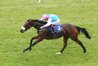 CURRAGH SAT 23 MAY 2015  PICTURE: CAROLINE NORRIS     BROOCH RIDDEN BY PAT SMULLEN WINNING THE LANWADES STUD STAKES