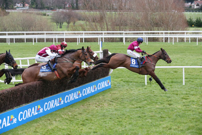 LEOPARDSTOWN SUN 17 JANUARY 2016  PICTURE: CAROLINE NORRIS       EMPIRE OF DIRT RIDDEN BY JONATHAN MOORE JUMPING THE LAST FENCE TO WIN THE CORAL.IE LEOPARDSTOWN HANDICAP STEEPLECHASE FROM KILLER CROW RIDDEN BY BRYAN COOPER, 2ND, FAR SIDE, AND SEABASS RIDDEN BY KATIE WALSH, 3RD, NO.6.
