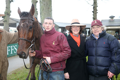 GOWRAN PARK THURS 21 JANUARY 2016  PICTURE: CAROLINE NORRIS      ALPHA DES OBEAUX WITH AARON O'HANLON, EIMEAR MULHERN, SPONSOR OF THE RACE AND MOUSE MORRIS AFTER WINNING THE JOHN MULHERN GALMOY HURDLE