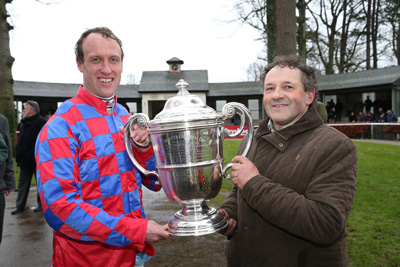 GOWRAN PARK THURS 21 JANUARY 2016  PICTURE: CAROLINE NORRIS     ROBERT POWER AND LIAM BURKE WITH THE TROPHY FOR THE GOFFS THYESTES STEEPLECHASE WON BY MY MURPHY