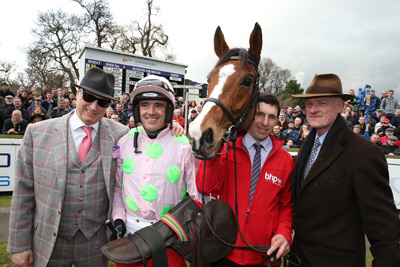 LEOPARDSTOWN SUN 24 JANUARY 2016  PICTURE: CAROLINE NORRIS    FAUGHEEN WITH RICH RICCI, RUBY WALSH, JOHN CODD AND WILLIE MULLINS AFTER WINNING THE BHP INSURANCES IRISH CHAMPION HURDLE