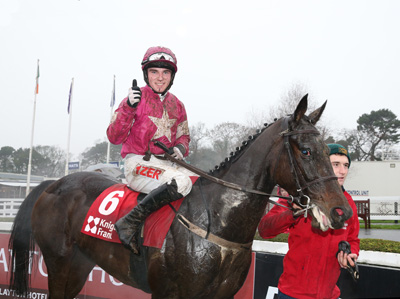 LEOPARDSTOWN SAT 26 DECEMBER 2015  PICTURE: CAROLINE NORRIS    APPLE'S JADE RIDDEN BY JOHNNY BURKE BEING LED IN AFTER WINNING THE KNIGHT FRANK JUVENILE HURDLE