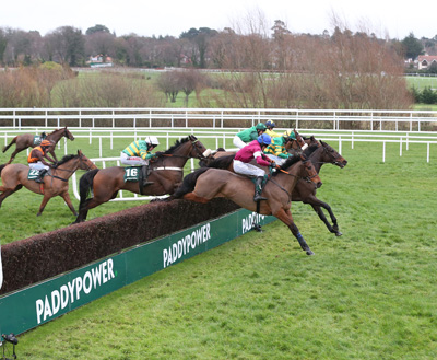 LEOPARDSTOWN SUN 27 DECEMBER 2015  PICTURE: CAROLINE NORRIS     MINELLA FORU RIDDEN BY BARRY GERAGHTY, NO.16, WHITE CAP, WINNER, TRACKS THE LEADERS, FOLSOM BLUE RIDDEN BY SHANE SHORTALL, 3RD, BLUE CAP, UCELLO CONTI RIDDEN BY JACQUES RICOU, 2ND, GREEN SPOTTED CAP, GILGAMBOA RIDDEN BY JACK KENNEDY, 4TH, QUARTERED CAP, AND BALLYCHORUS RIDDEN BY ADRIAN HESKIN, YELLOW STAR ON CAP, OVER THE LAST FENCE IN THE PADDY POWER STEEPLECHASE
