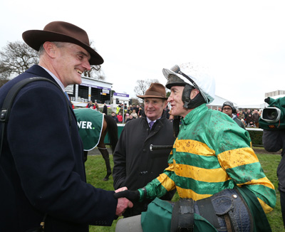 LEOPARDSTOWN SUN 27 DECEMBER 2015  PICTURE: CAROLINE NORRIS     EDWARD HARTY, FRANK BERRY AND BARRY GERAGHTY AFTER MINELLA FORU HAD WON THE PADDY POWER STEEPLECHASE
