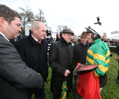 LEOPARDSTOWN MON 28 DECEMBER 2015  PICTURE: CAROLINE NORRIS     KIERAN MCMANUS, TONY MARTIN, JP MCMANUS, FRANK BERRY AND BARRY GERAGHTY AFTER WHATSFORUWONTGOBYU HAD WON THE IRISH DAILY STAR CHRISTMAS NOVICE HANDICAP HURDLE