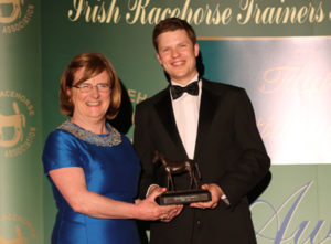 IRTA FLAT AND NH AWARDS. HOTEL KEADEEN, NEWBRIDGE. WED 4 MAY 2016 PICTURE: CAROLINE NORRIS META OSBORNE PRESENTING SPECIAL RECOGNITION AWARD TO JAMIE MORRIS ON BEHALF OF HIS FATHER MOUSE